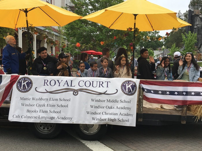 Prince & Princesses selected from each Windsor School on the Royal Court Float
